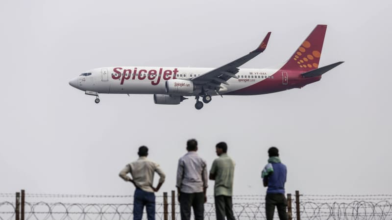 India's Spicejet airline is one of several low-cost carriers to place large aircraft orders in recent years.