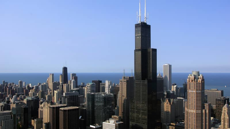 Illinois has no travel restrictions, but the city of Chicago does. It places visitors in red, orange and yellow categories depending on the severity of the outbreak in a particular state.
