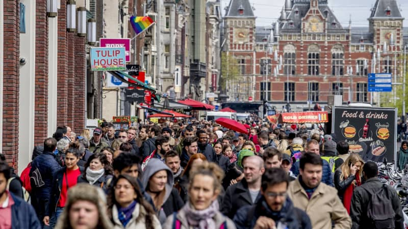 Amsterdam is cracking down on group tours