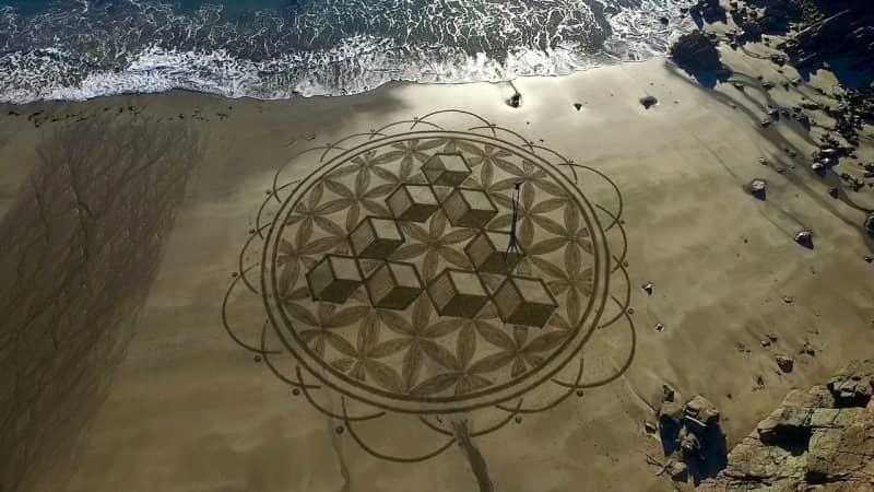 Sand-Art-Close-up-at-Caerfai