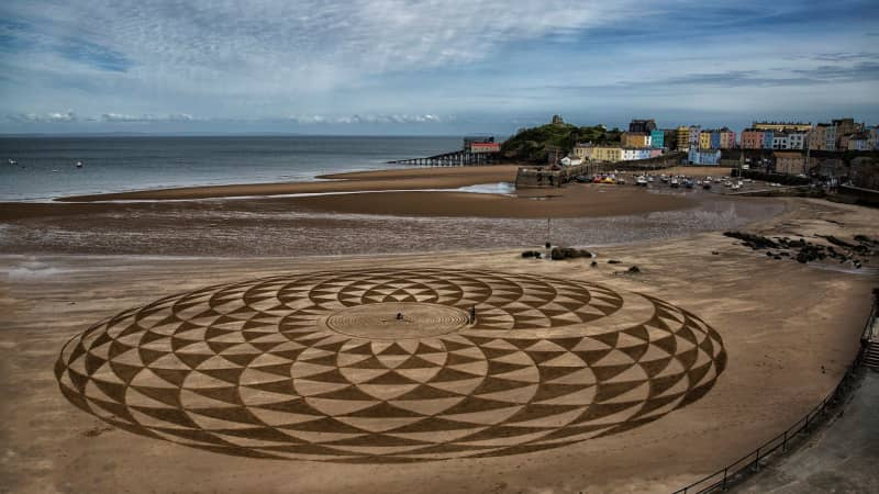 Sand-art-Tenby-(Election-day)