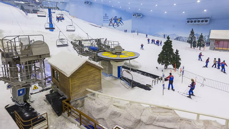 Only in Dubai: Shopping and skiing, in the desert.