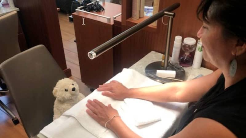 Lost-Teddy-Bear-3-manicure