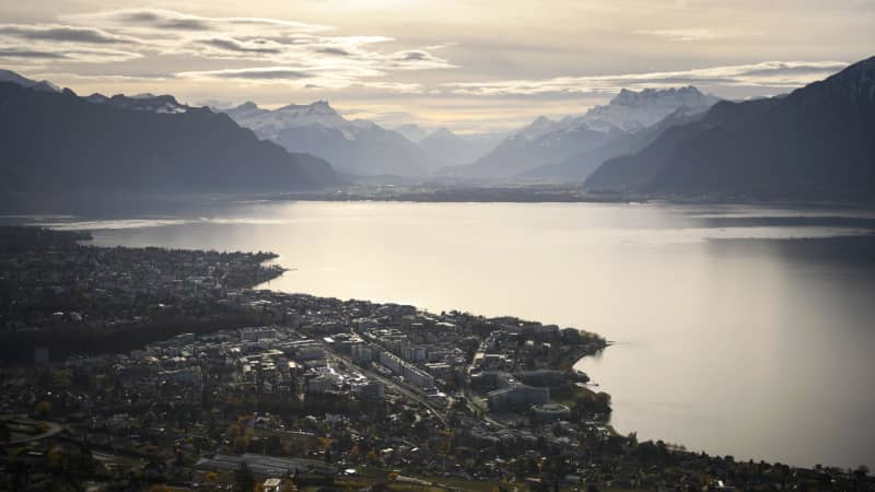 A picture taken on from Mont-Pelerin, western Switzerland, on November 20, 2016 shows the cities of Vevey (below) and Montreux (background) on Lake Geneva. / AFP / FABRICE COFFRINI        (Photo credit should read FABRICE COFFRINI/AFP/Getty Images)