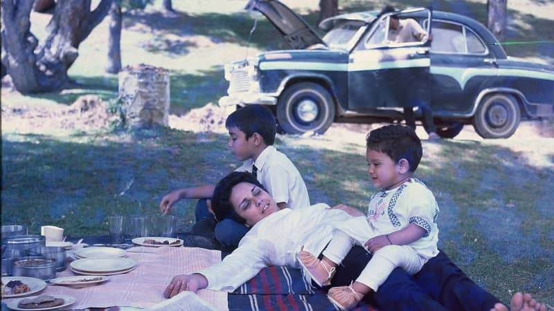 Saad Jung On picnic with begums of Bhopal - Mother and Grandma 3