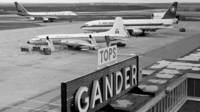 Exterior-Gander-Airport---9---Tops-sign