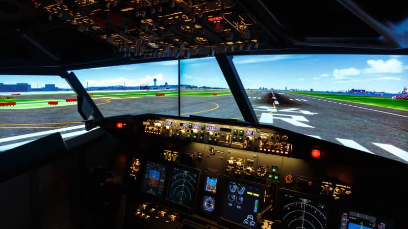 Guests can simulate the flight from Haneda to Itami airport in Osaka.