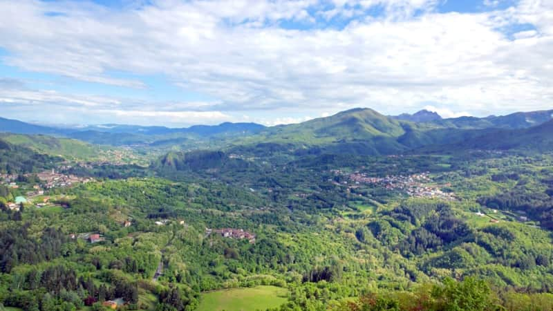 Garfagnana is a rugged srea of densely forested hills and deep river canyons. You'll find it between the rocky Apuan Alps to the west and the Apennines to the east.