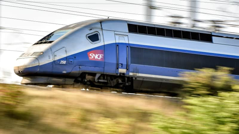Air France offers passengers seats on the Paris-Brussels high-speed train.