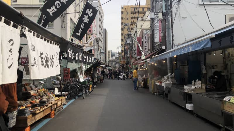 Normally a tourist hotspot, the outer ring of the Tsukiji market sees few visitors these days.