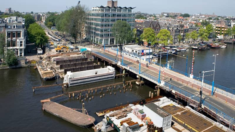 Cracks and sinkholes in Amsterdam's bridges and canal walls