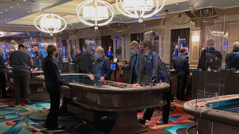 Michael Trager visited Vegas in June to report on casino reopenings for his site TravelZork. He received a lot of reminders online about quarantining upon his return.