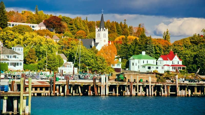 Mackinac Island exudes autumn glory in Michigan.