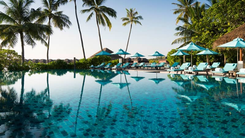 The Anantara Veli has an infinity pool, in case you're sick of the ocean for some reason.