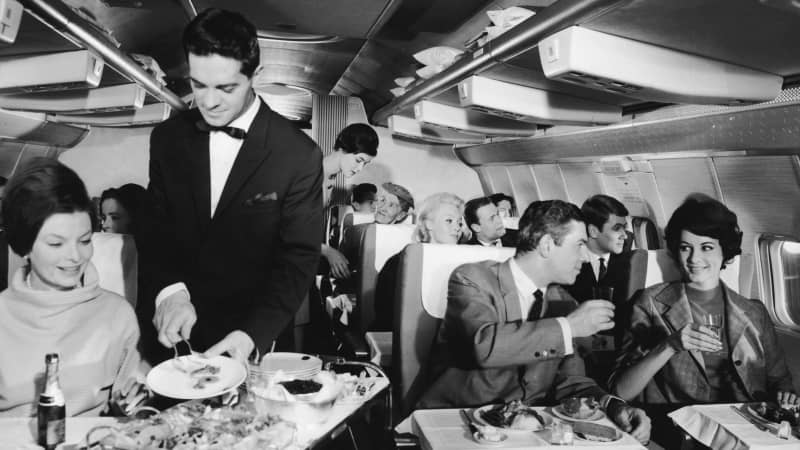 Cabin service was elegant on board an intercontinental Boeing 707 during a Lufthansa flight in 1967.