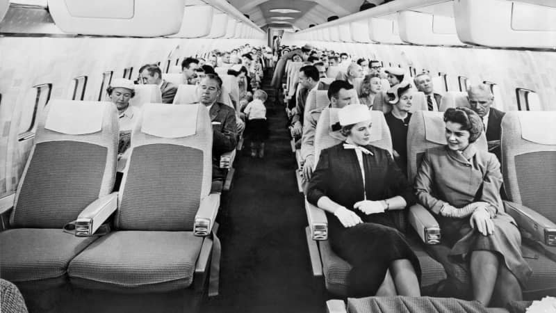 A mock-up model of the cabin of the new Boeing 707 Stratoliner, circa 1957.