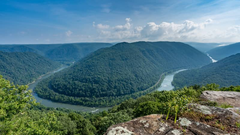 The New River makes a horseshoe bend below the main overlook at Grandview in New River Gorge National Park.