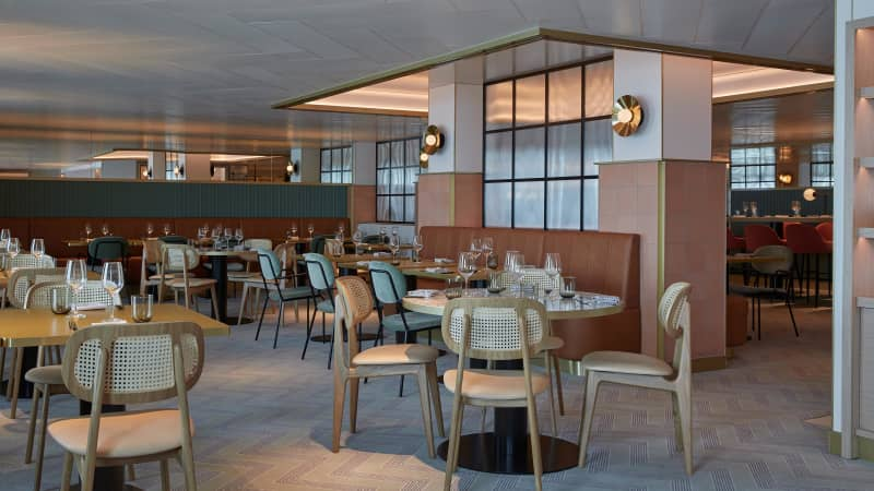 The Extra Virgin restaurant relies on a comfortable, trattoria-style Italian atmosphere.
