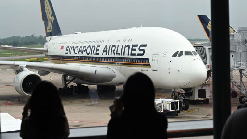 Singapore Airlines has 12 A380s in its fleet.