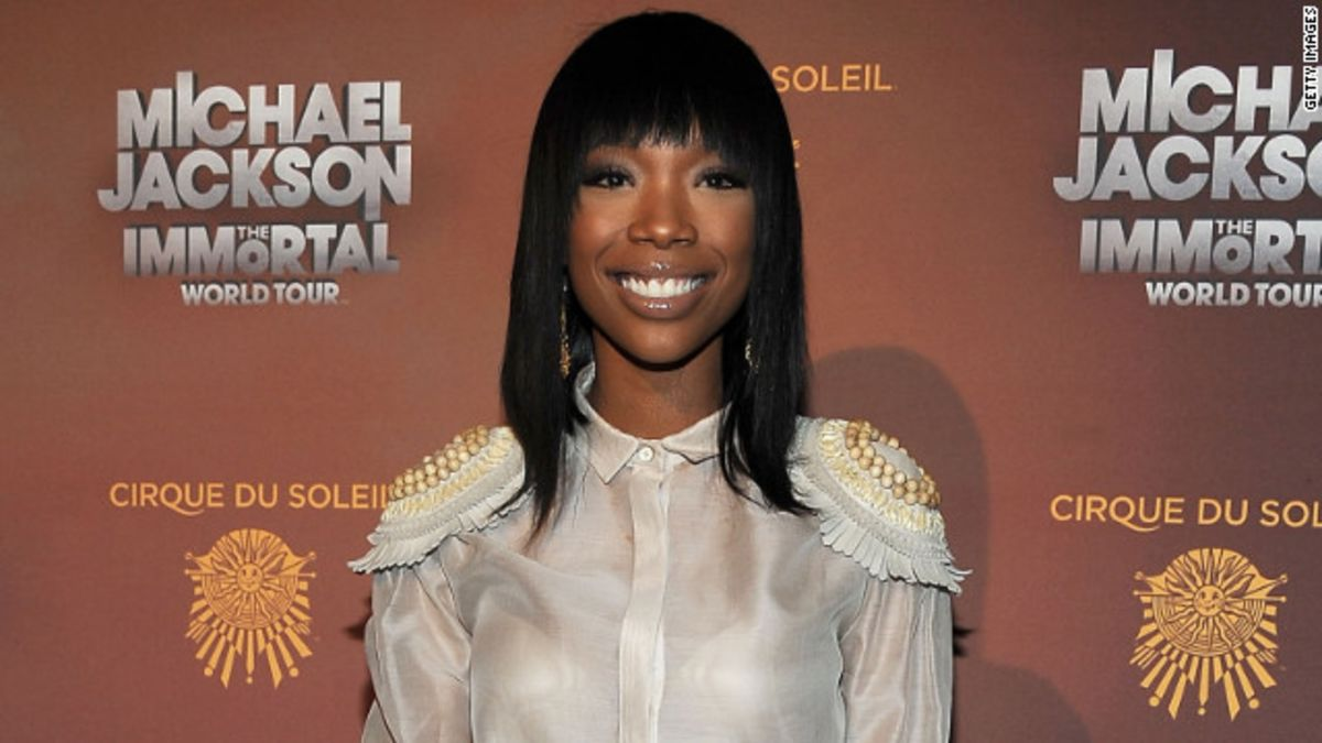 Brandy sings on NYC subway -- and no one notices - CNN