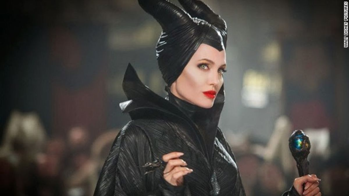 Maleficent 2 Features Angelina Jolie Vs Michelle Pfeiffer