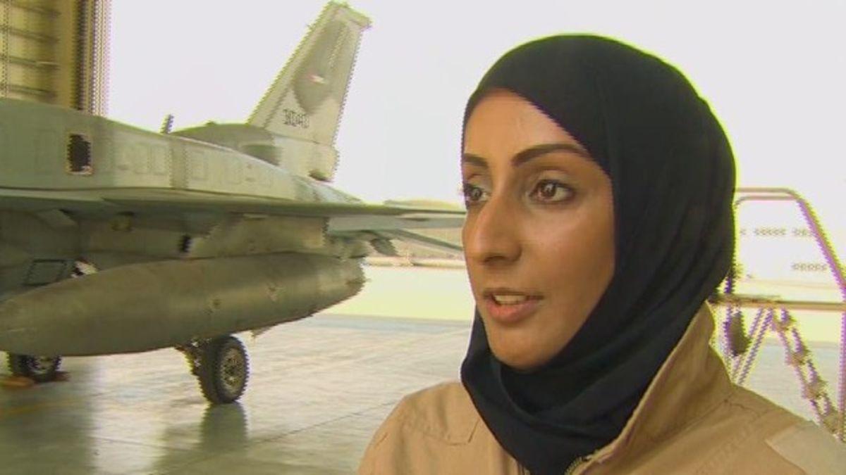 Uae S 1st Female Fighter Pilot Led Strike Against Isis Cnn