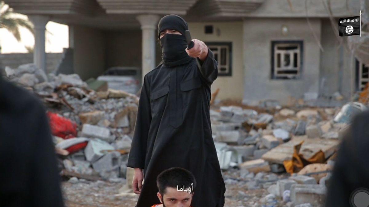 Video shows four men beheaded