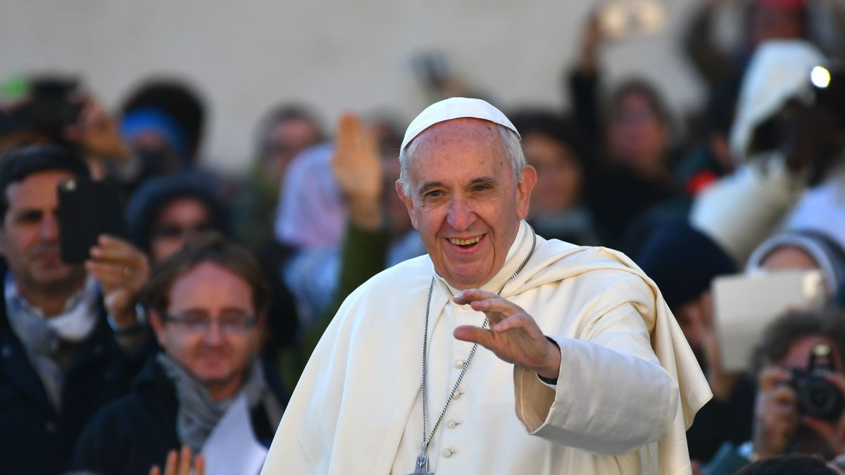 Pope Francis extends power to forgive abortion - CNN