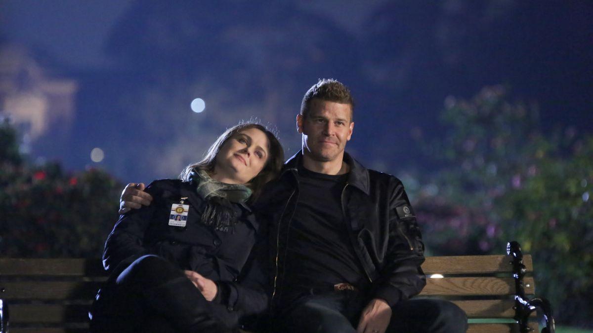 Bones' star Emily Deschanel breaks down the final episode - CNN