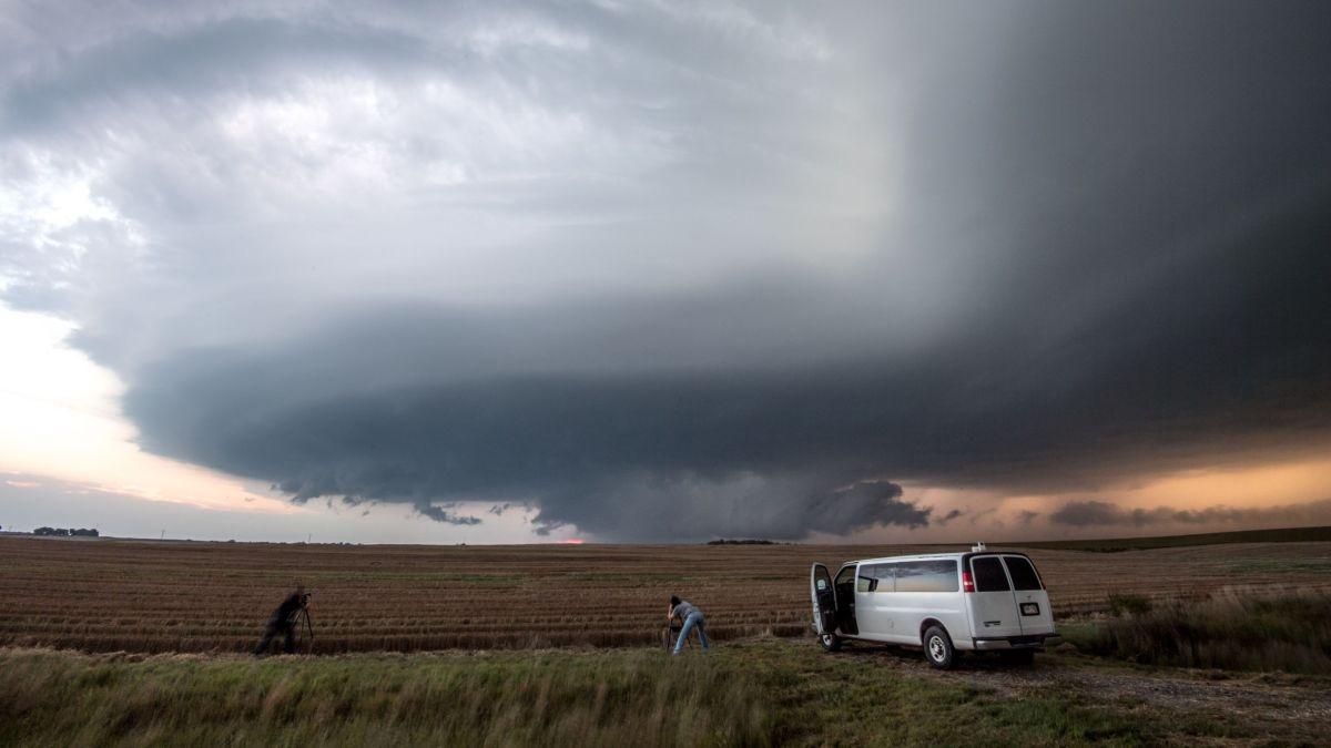 Tornado watch vs warning explained - CNN Video