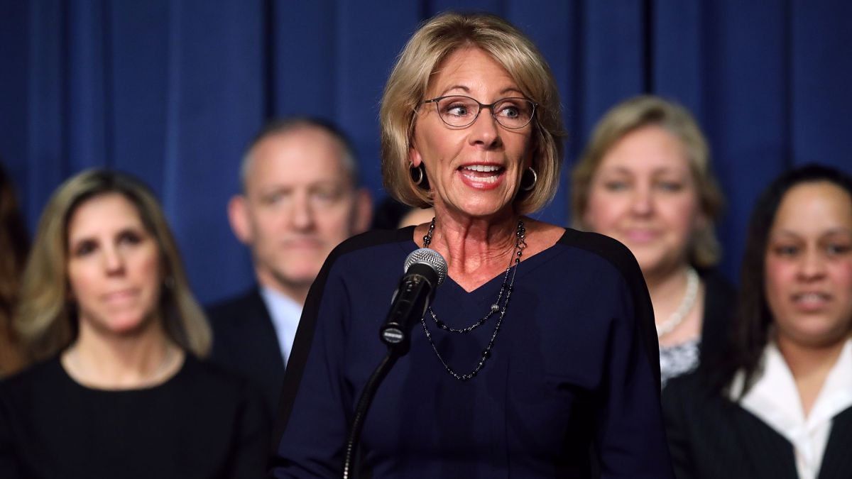 Betsy Devos Is Wrong About >> Betsy Devos Is Failing An Entire Generation Of Students