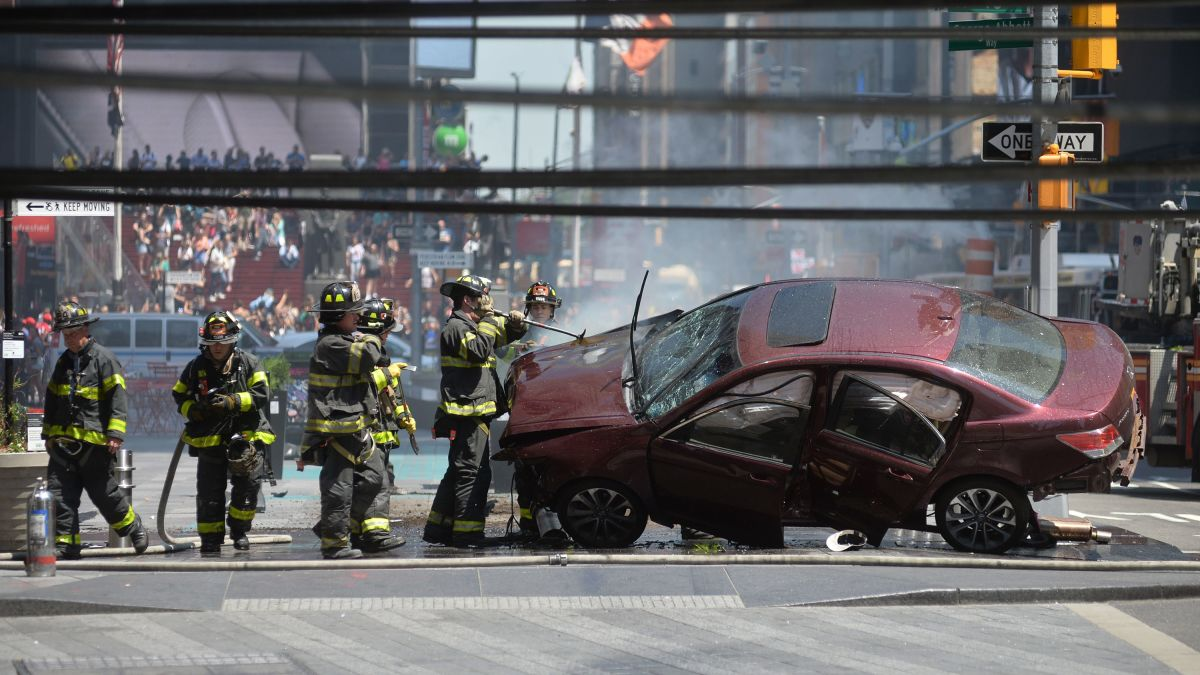 Times Square Car Incident 1 Dead 22 Injured Driver In Custody Cnn