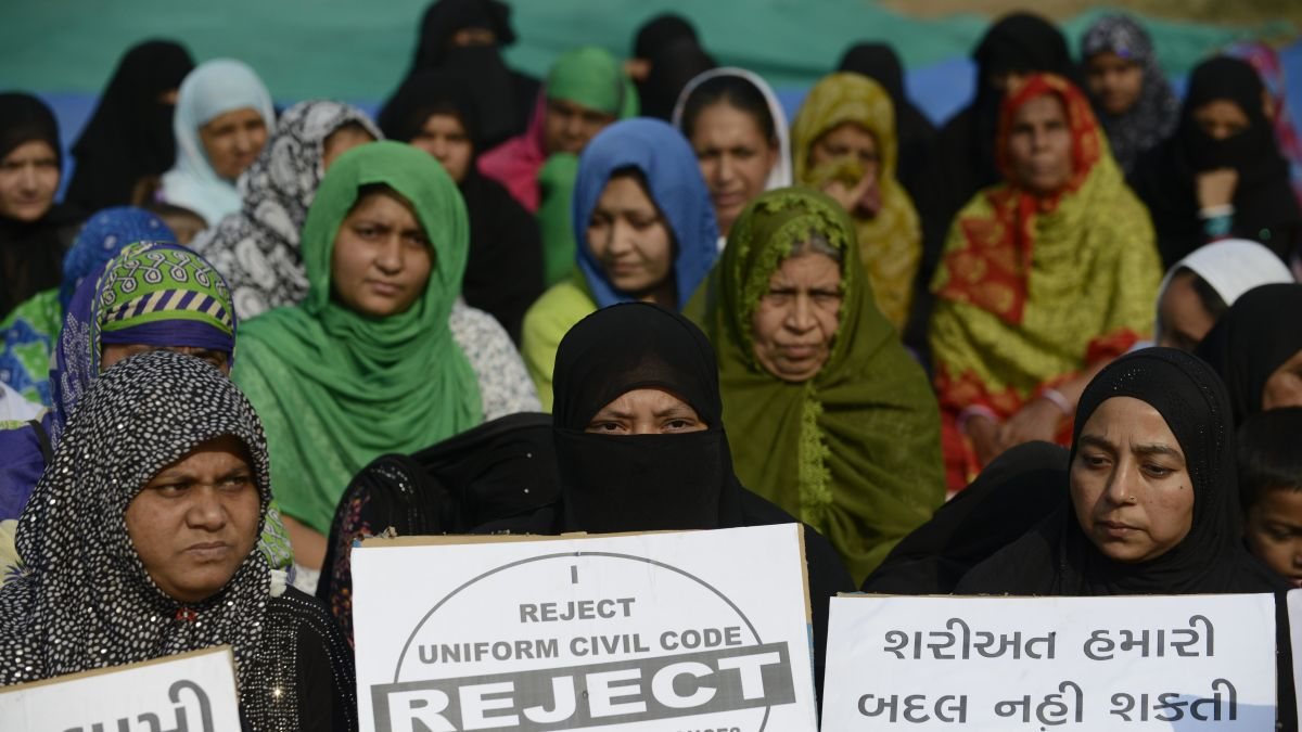 Triple talaq: India moves to criminalize Muslim instant