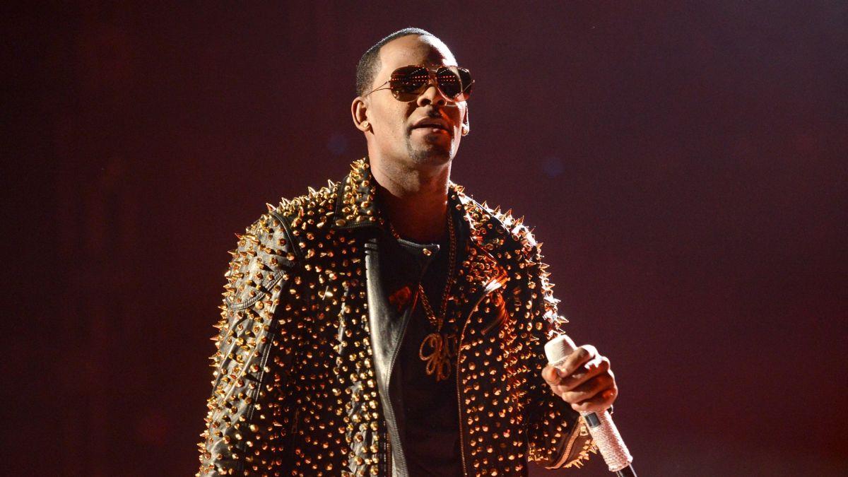 R  Kelly announces overseas tour - CNN