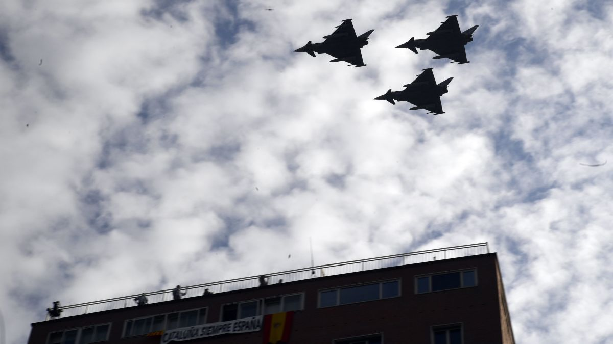 Spanish pilot dies in crash after National Day parade - CNN