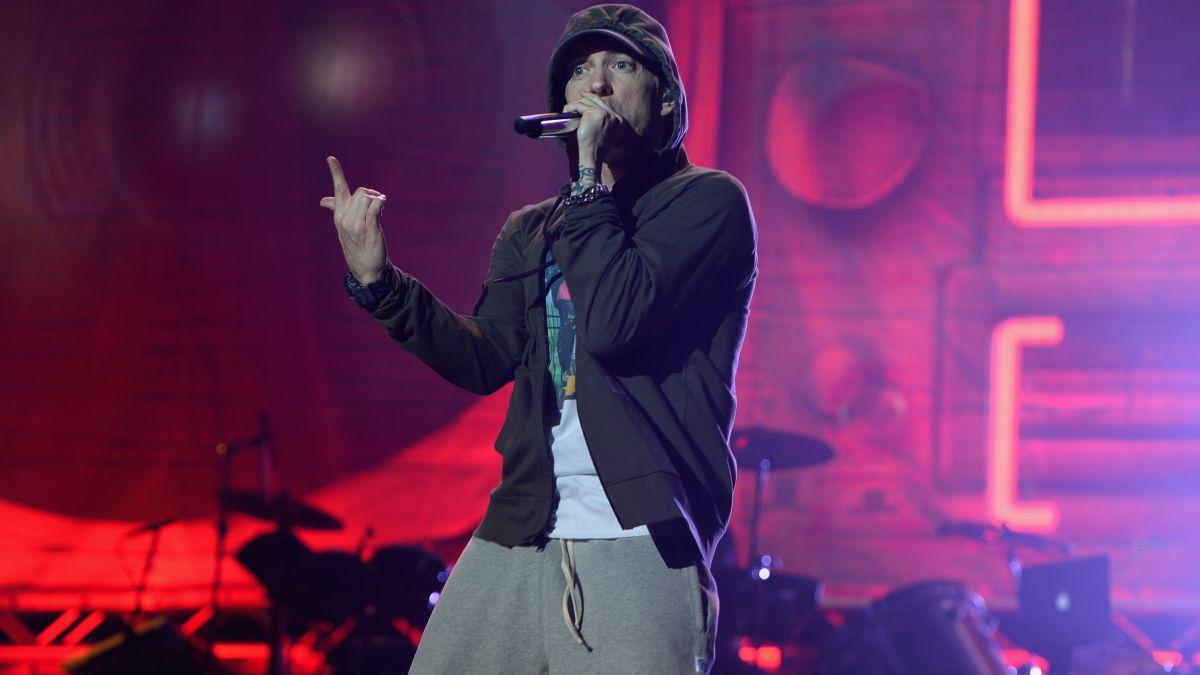 Eminem's album 'Kamikaze' is on track to break records - CNN