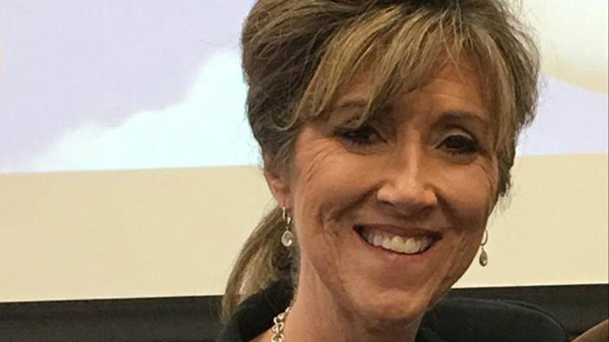 Southwest Pilot A Former Navy Fighter Praised For Her Nerves Of