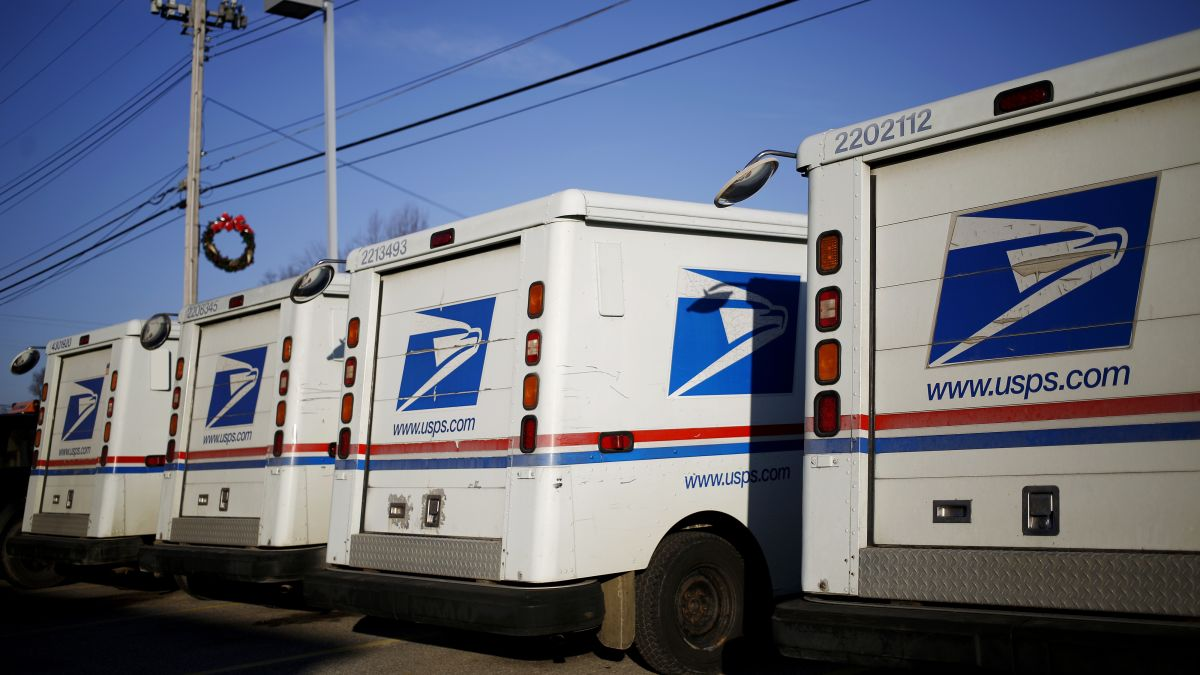 Mailman charged after feds says he failed to deliver 17,000 pieces