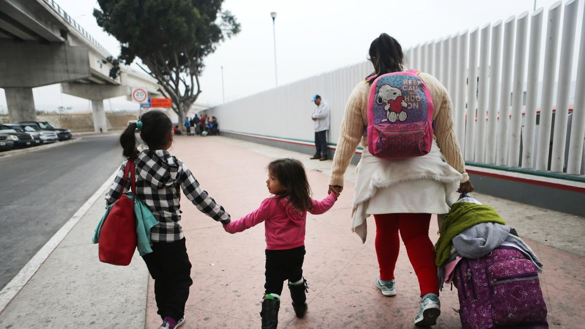 cnn.com - By Catherine E. Shoichet and Tal Kopan, CNN - More than 2,500 immigrant kids are awaiting reunification with parents