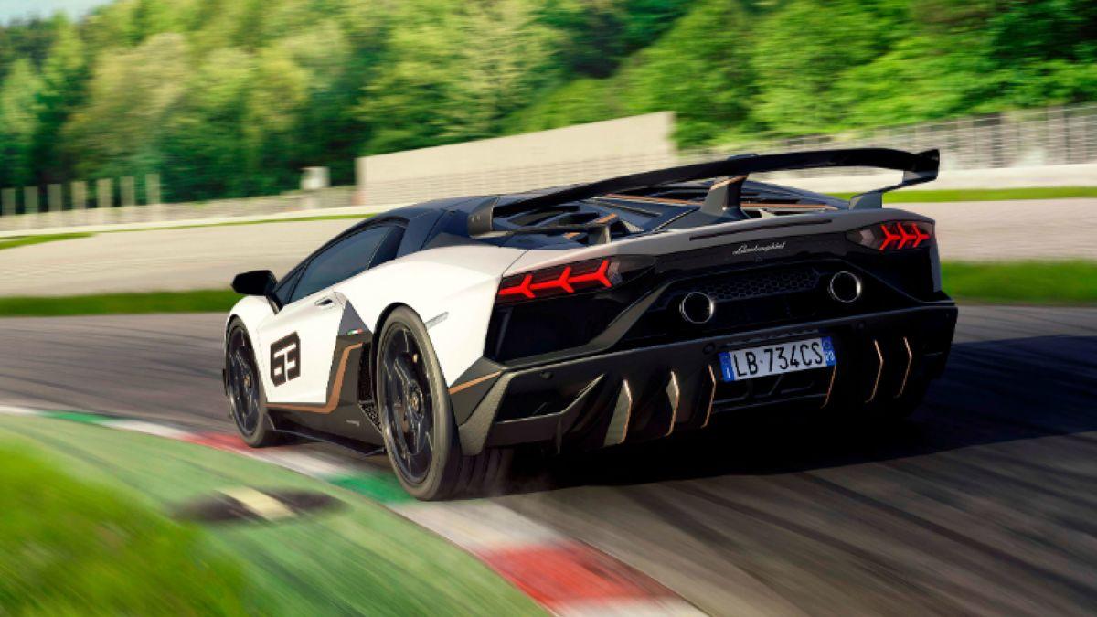 Lamborghini Unveils An Even Faster Aventador Supercar   CNN