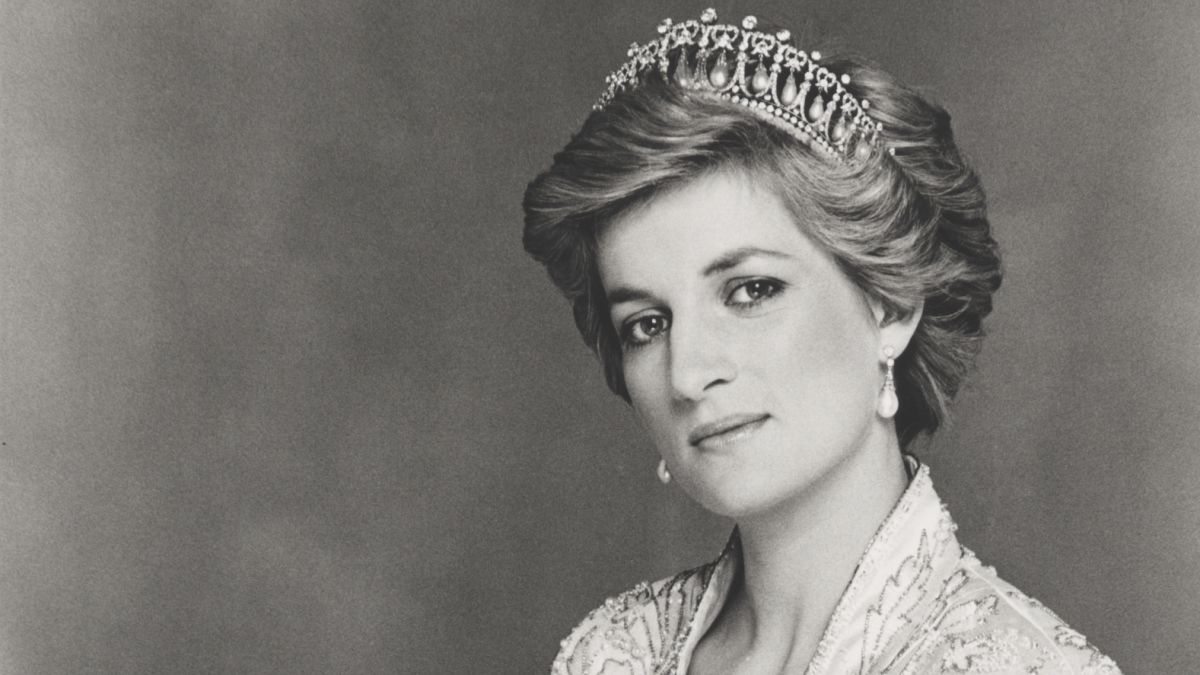 Princess Diana Celebrities And Fans Mark The Anniversary Of Her