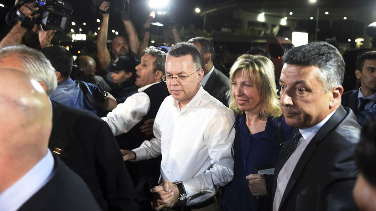 Brunson, pastor detained in Turkey, returns to US, meets