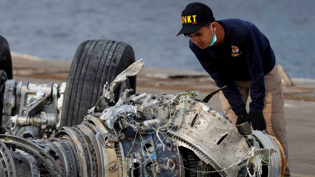 Plane crash deaths rise in 2018, figures show - CNN