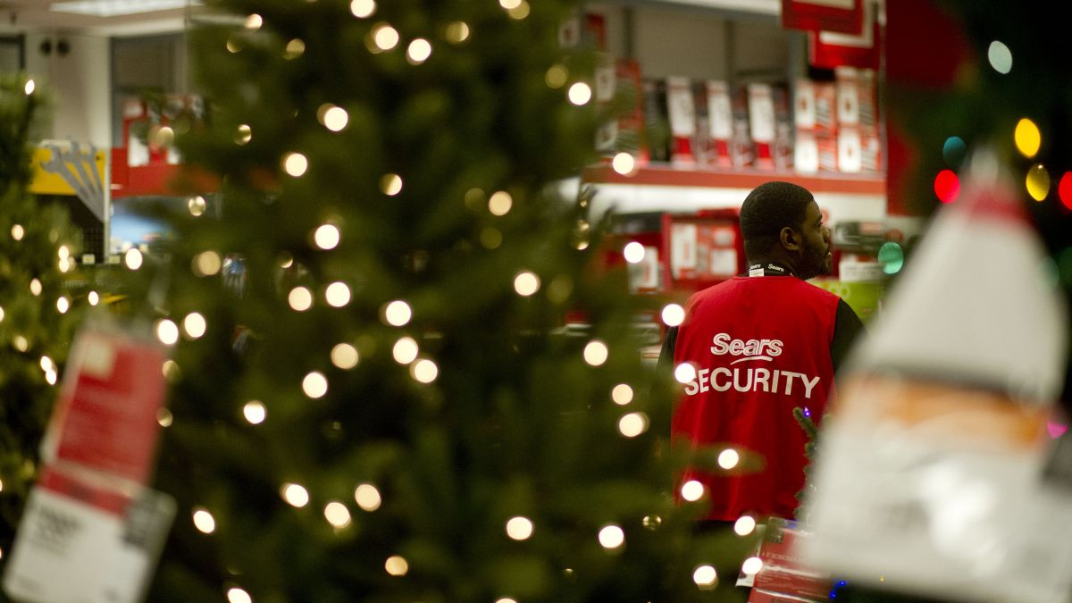Sears Christmas Photos.It S A Do Or Die Christmas For Sears And Kmart Cnn