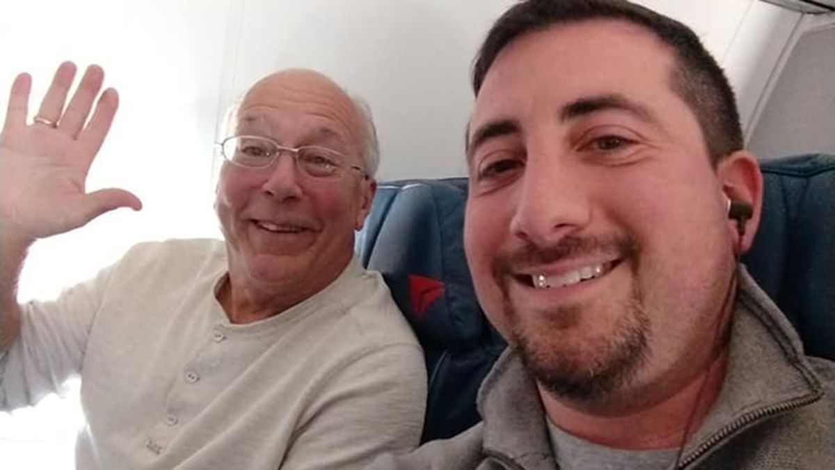 dad books flights to spend christmas with flight attendant daughter