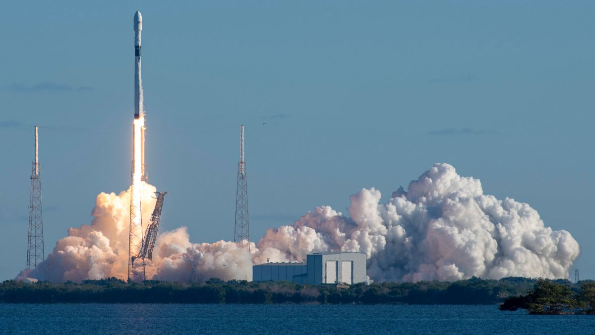 cnn.com - By Jackie Wattles, CNN Business - SpaceX to lay off 10% of its workers