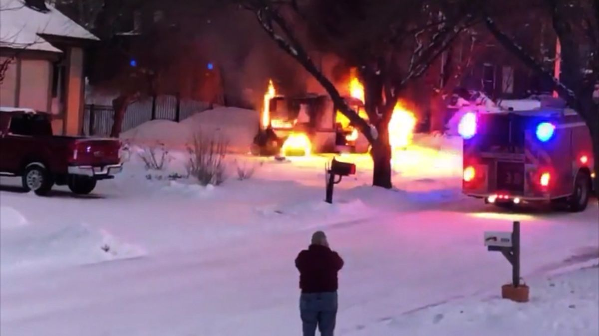 Mail Truck Explodes Becomes Rolling Ball Of Fire Cnn Video