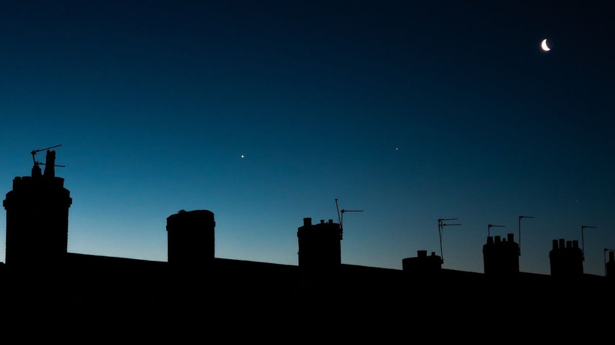 Venus and Jupiter conjunction wows stargazers - CNN
