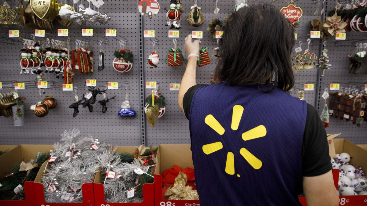 Walmart will give bonuses to workers with perfect attendance - CNN