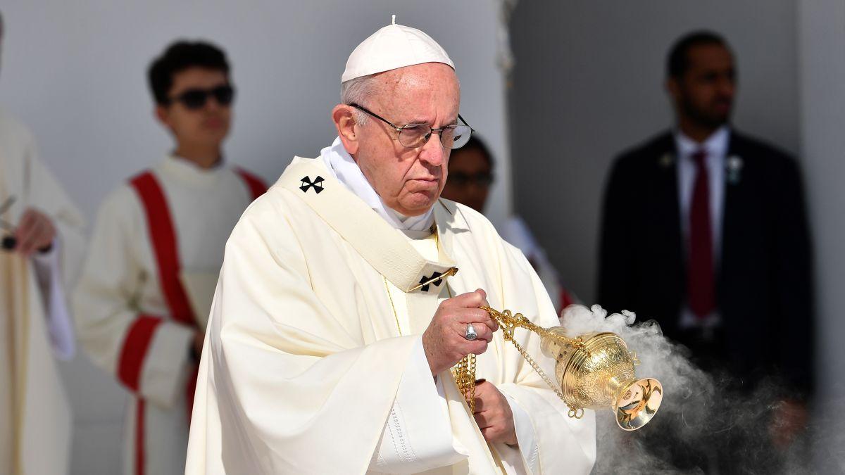 First-ever papal mass in the Arabian Peninsula